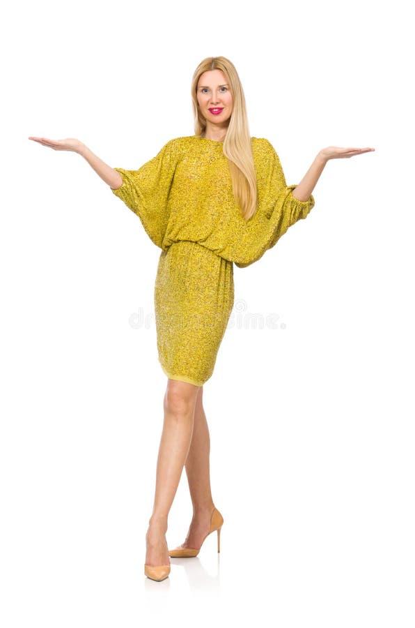Vrij lange geïsoleerde vrouw in gele kleding stock foto