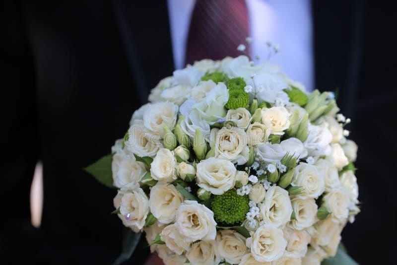 Vrij leuk bruids huwelijksboeket royalty-vrije stock afbeeldingen