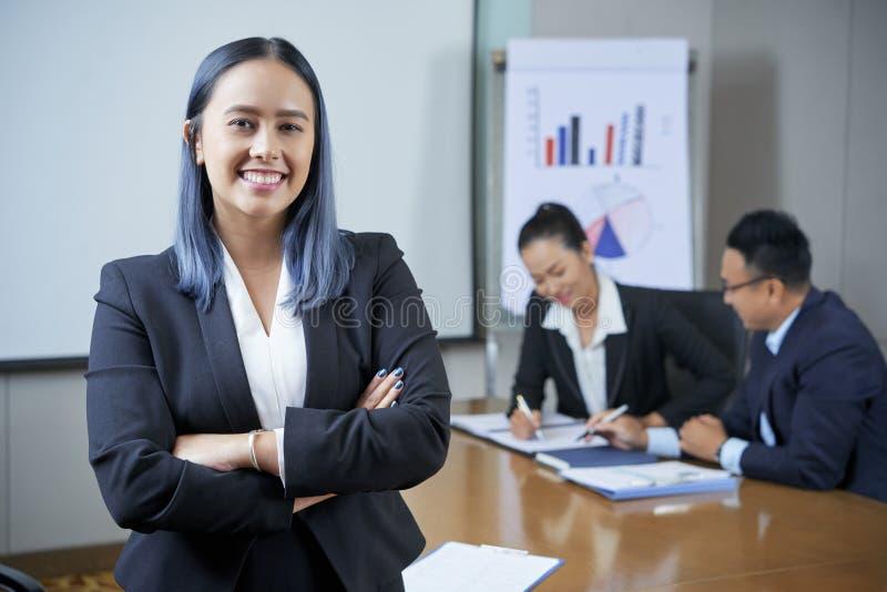 Vrij vrouwelijke ondernemer stock afbeelding