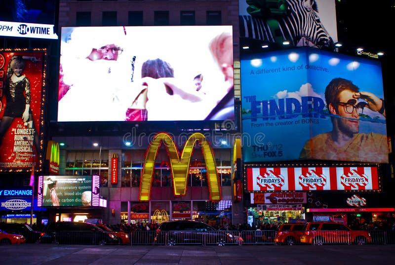 Vrijdagen TGI en McDonald Times Square, NYC royalty-vrije stock foto