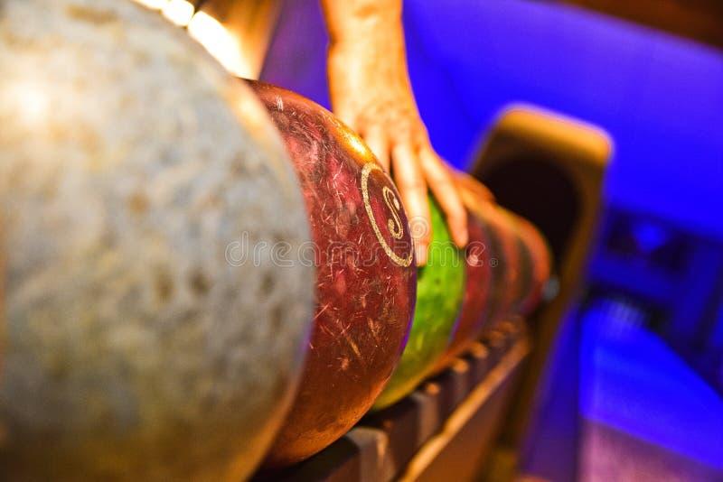 Vrije tijd van het werpen van gemakkelijk spel met Tsjechische ballen royalty-vrije stock foto