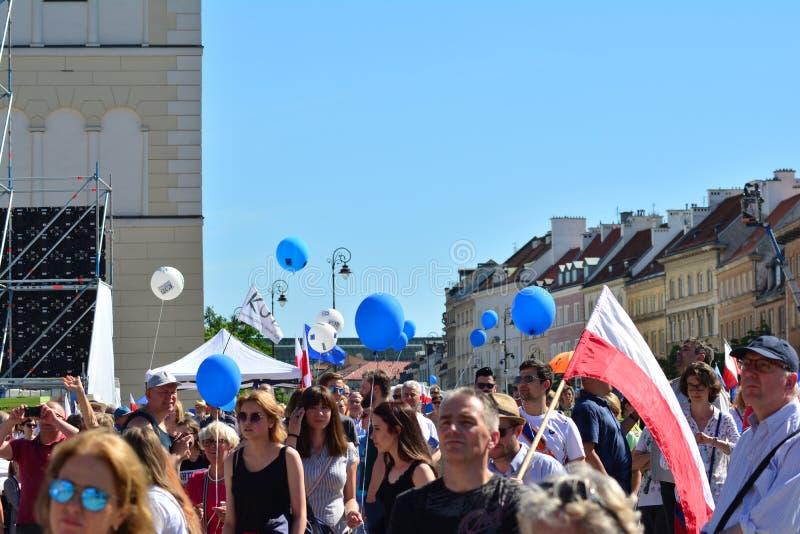 Vrijheid Maart Polen maart om overheid aan de kaak te stellen, die democratie eroderen stock afbeelding