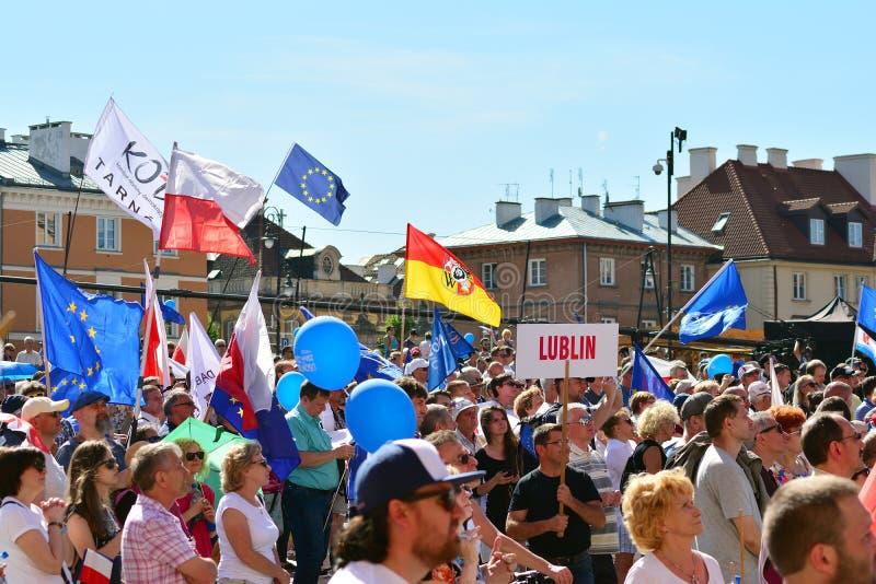 Vrijheid Maart Polen maart om overheid aan de kaak te stellen, die democratie eroderen stock foto