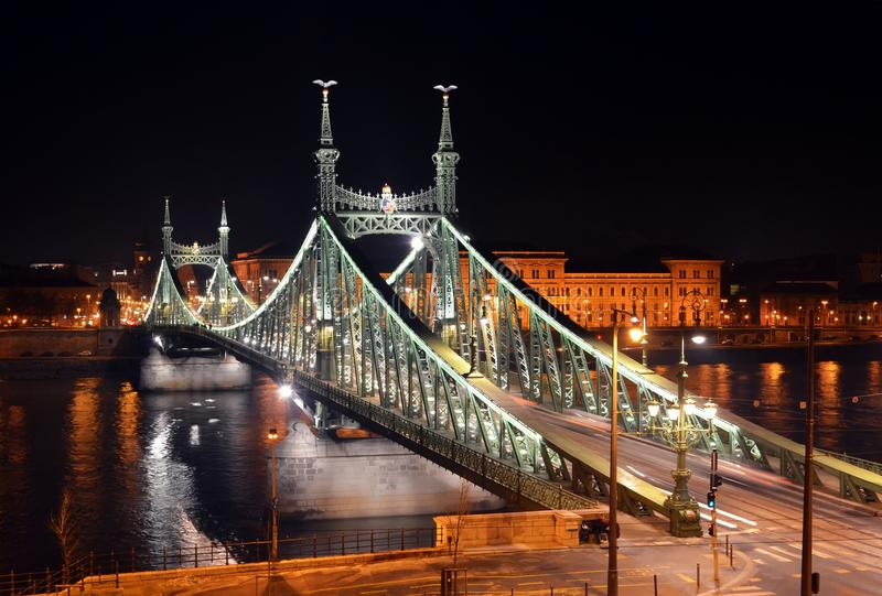 Vrijheidsbrug nightscape, Boedapest royalty-vrije stock foto