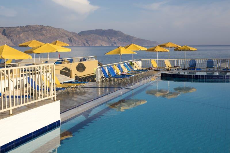 Vroege ochtend Bergen, pool voor het zwemmen, Kavros, Kreta, Griekenland, Europa royalty-vrije stock fotografie