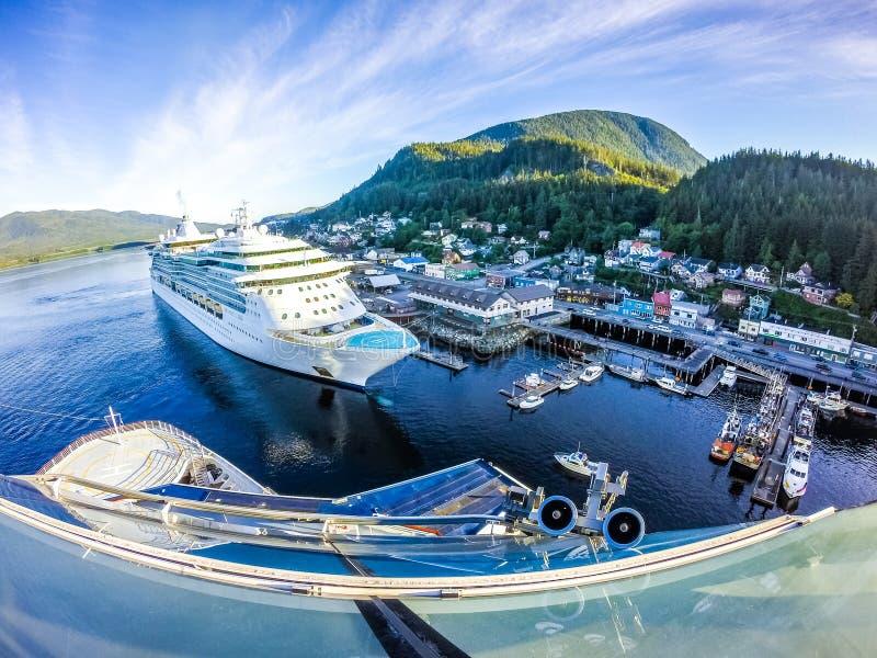 Vroege ochtend in de ketchikan haven van Alaska royalty-vrije stock foto
