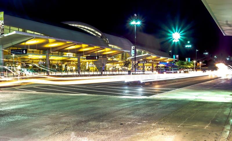 vroege ochtendactie bij internationale airpor van San Jose Californië stock foto