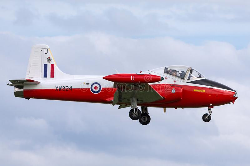 Vroeger Royal Air Force RAF BAC Jet Provost T 4 straal de trainervliegtuigen van XW324 g-BWSG op benadering om RAF Waddington te  royalty-vrije stock afbeeldingen