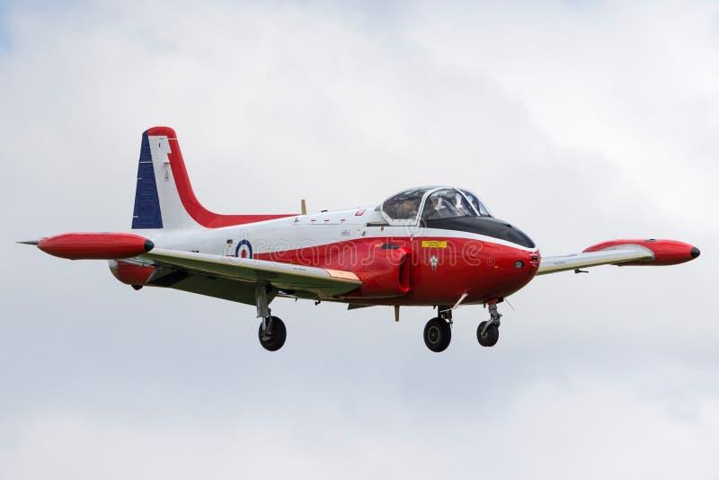 Vroeger Royal Air Force RAF Hunting p-84 Jet Provost T straal de trainervliegtuigen van 3A g-BVEZ op benadering om RAF Waddington royalty-vrije stock afbeeldingen