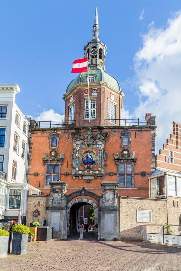 Vroegere stadspoort in Dordrecht, Nederland stock foto's