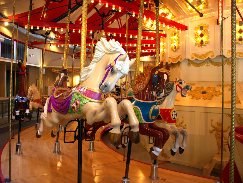 Vrolijk-gaan-rond Paard stock afbeeldingen