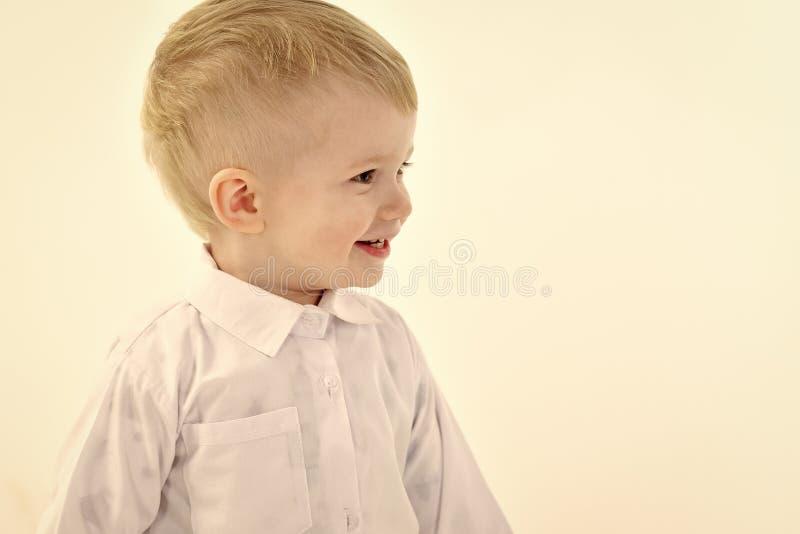 Vrolijk kind Kinderjaren en geluk, weinig jongen royalty-vrije stock afbeeldingen