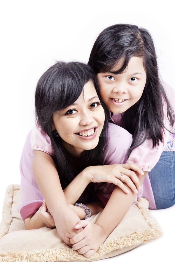Vrolijk mamma en haar kind stock foto