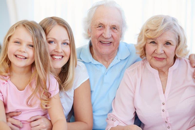 Vrolijke familie royalty-vrije stock afbeeldingen