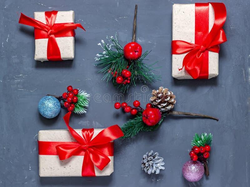 Vrolijke Kerstmis en de Gelukkige achtergrond van het Nieuwjaar Hoogste mening stock fotografie