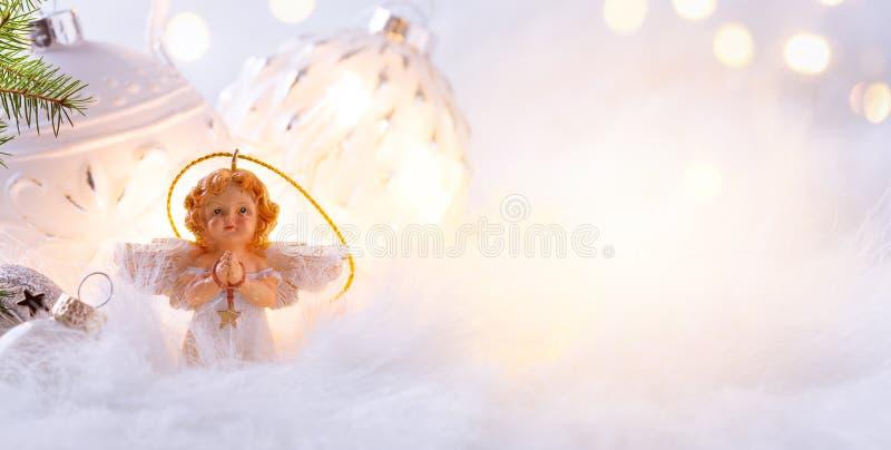 Vrolijke Kerstmis; Vakantieachtergrond met de decoratie o van de Kerstmisboom royalty-vrije stock fotografie
