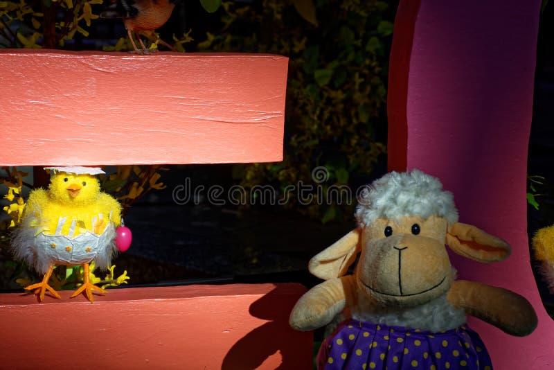 Vrolijke Pasen-vakantie kleurrijk Speelgoed royalty-vrije stock afbeeldingen