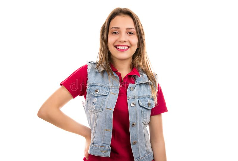 Vrolijke tienervrouw met rode lippen stock fotografie