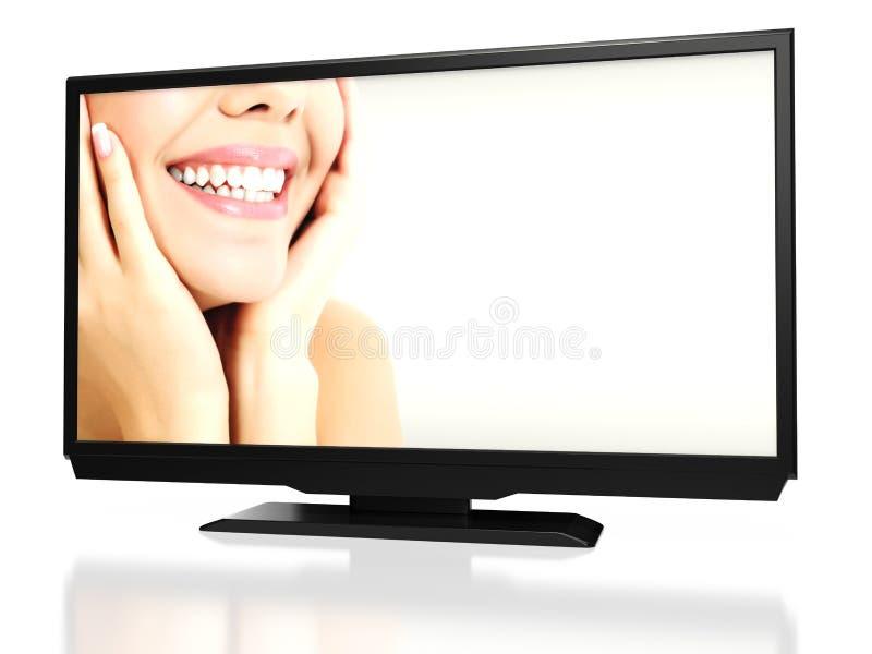 Vrolijke vrouwelijke glimlach op het abstract LEIDEN scherm van TV royalty-vrije stock foto's