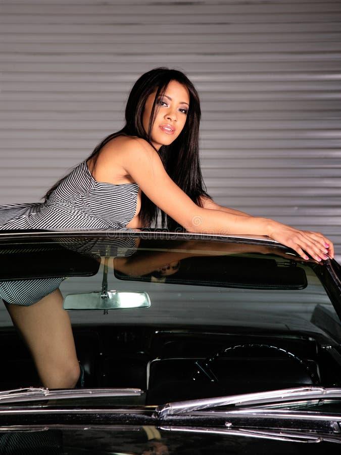 Vrouw & Auto royalty-vrije stock afbeelding
