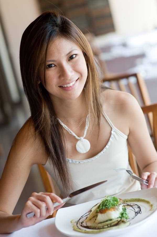 Vrouw bij Diner royalty-vrije stock foto