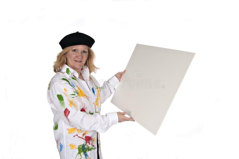 Vrouw in de afficheraad van de hoedenholding stock foto