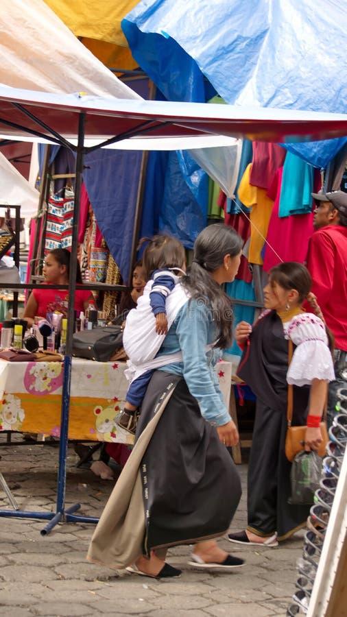 Vrouw in de markt royalty-vrije stock foto's