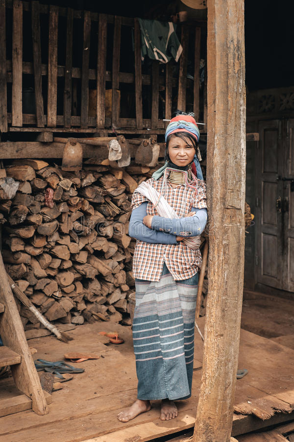 Vrouw de traditionele van Padaung (Karen) van Myanmar royalty-vrije stock foto
