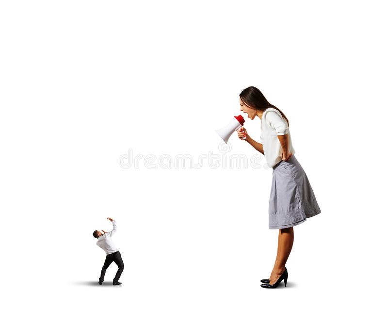 Vrouw die bij de kleine doen schrikken mens schreeuwen stock foto