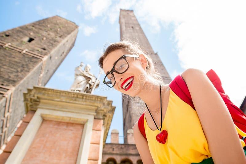 Vrouw die in de stad van Bologna reizen royalty-vrije stock foto