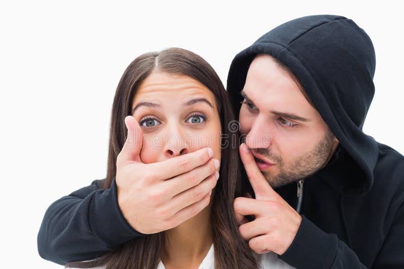 Vrouw die door de enge mens worden aangevallen stock afbeeldingen