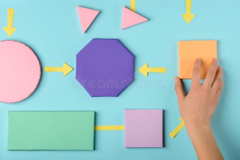 Vrouw die een diagram maken stock afbeeldingen