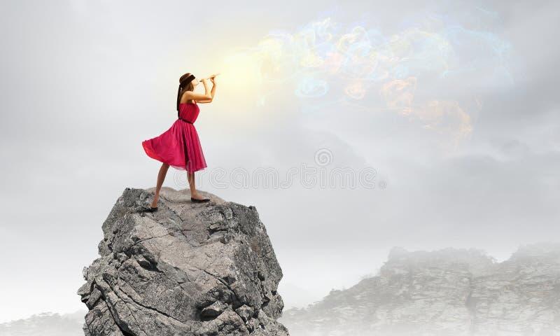 Vrouw die Fife spelen stock foto
