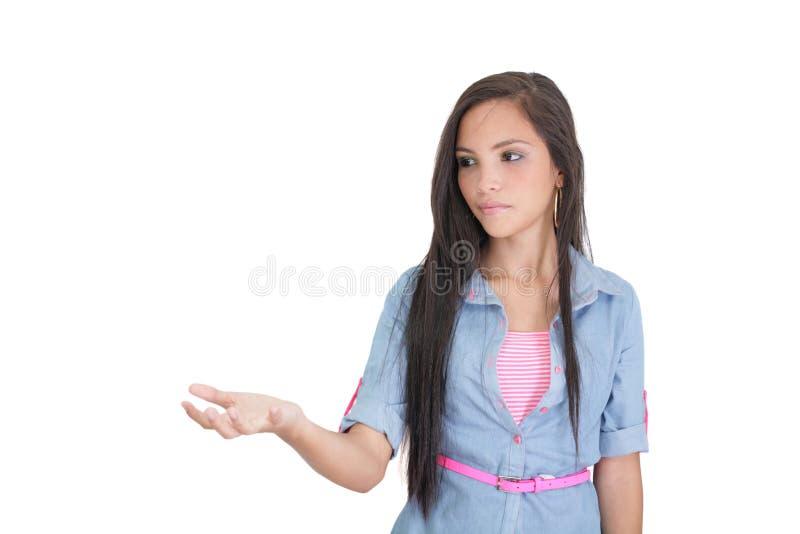 Download Vrouw Die Iets Op De Palm Van Haar Hand Tonen Stock Foto - Afbeelding bestaande uit gelukkig, uitdrukking: 29501994
