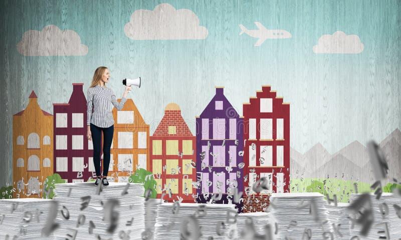 Vrouw die megafoon in hand houden vector illustratie