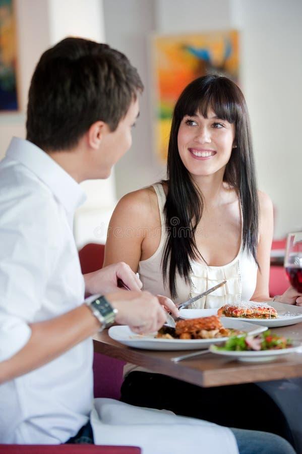 Vrouw die met Partner dineert stock fotografie