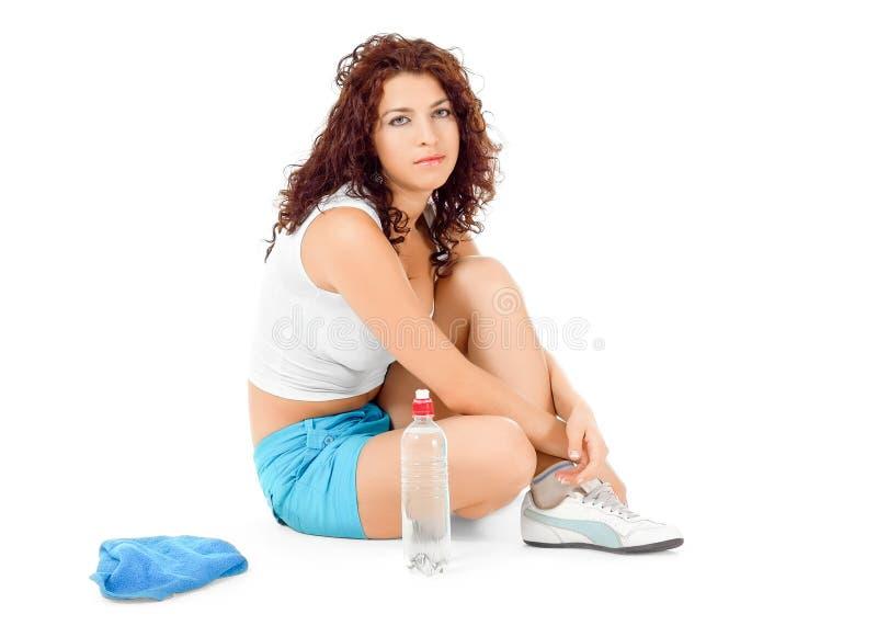 Vrouw die na sporten rust stock foto