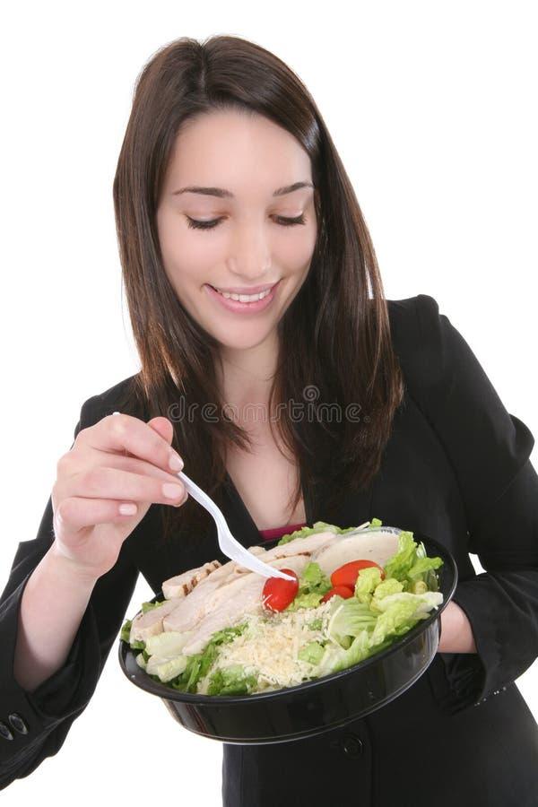 Vrouw die Salade eet royalty-vrije stock afbeelding