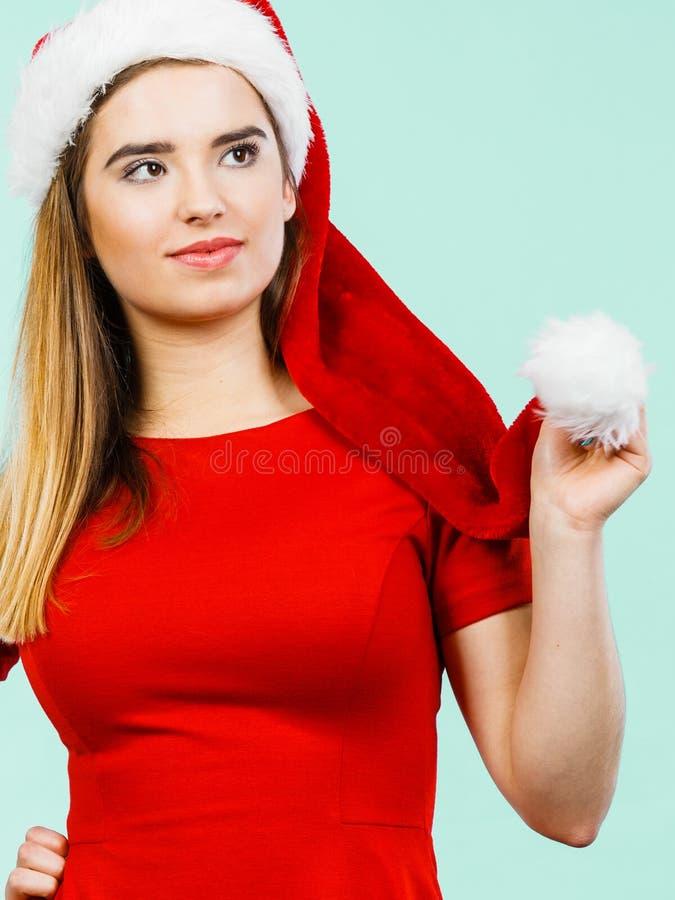 Vrouw die Santa Claus-helperkostuum dragen royalty-vrije stock foto's