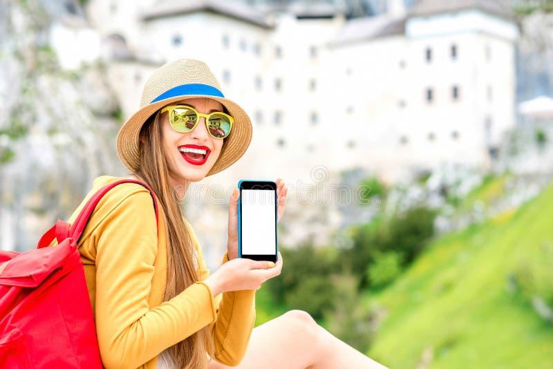 Vrouw die in Slovenië reizen royalty-vrije stock fotografie