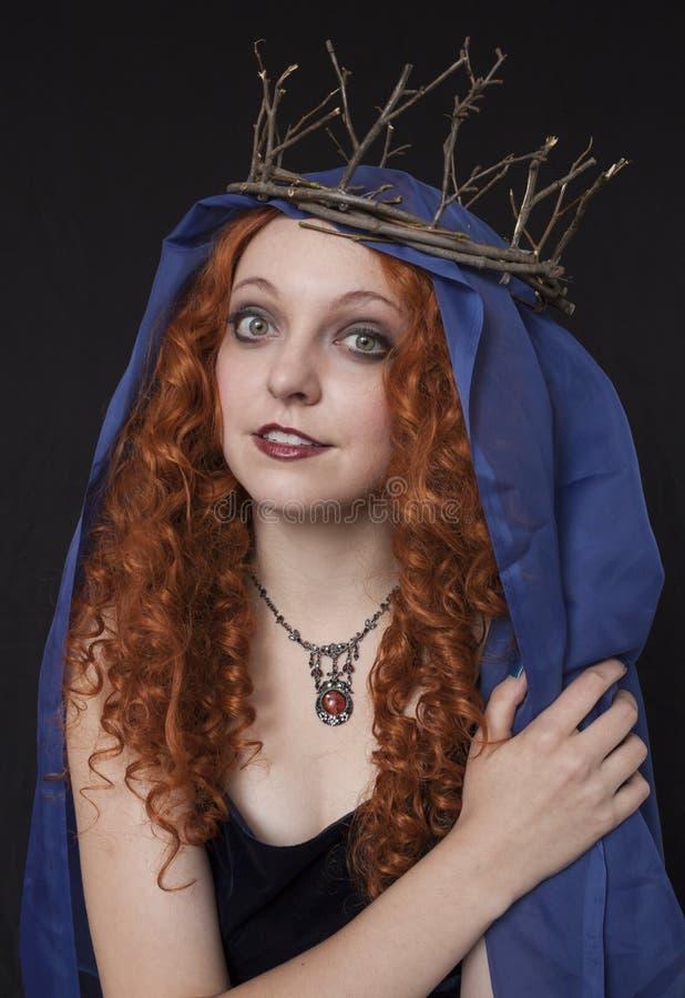 Vrouw die takjekroon dragen royalty-vrije stock foto's