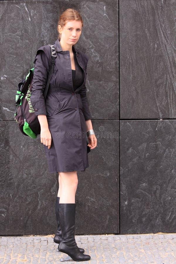 Vrouw die verenigde naakte eamzlaarzen draagt stock fotografie