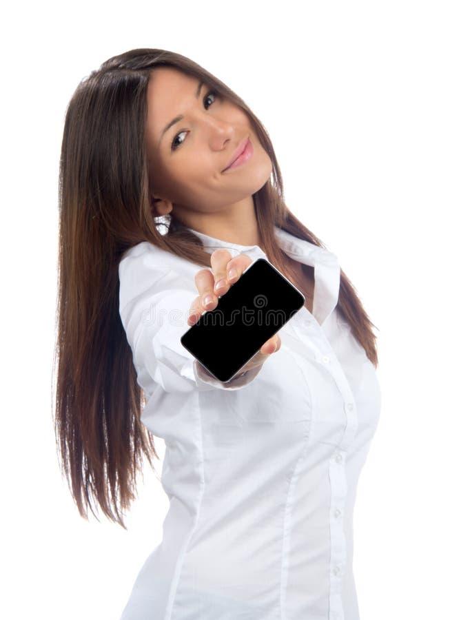 Vrouw die vertoning mobiele celtelefoon toont stock foto