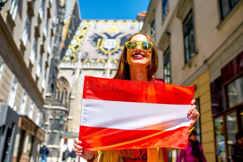 Vrouw die in Wenen reizen royalty-vrije stock afbeelding