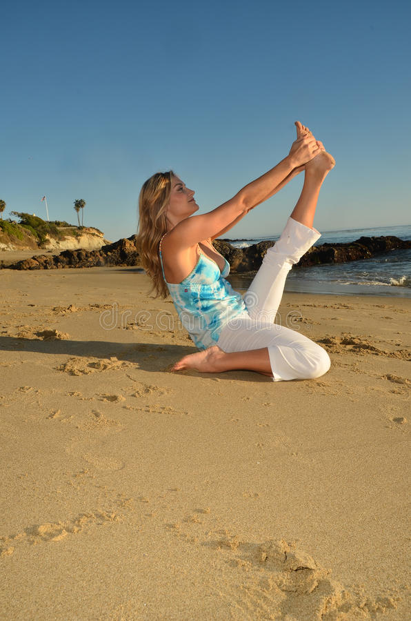 De Yoga van de avond royalty-vrije stock fotografie