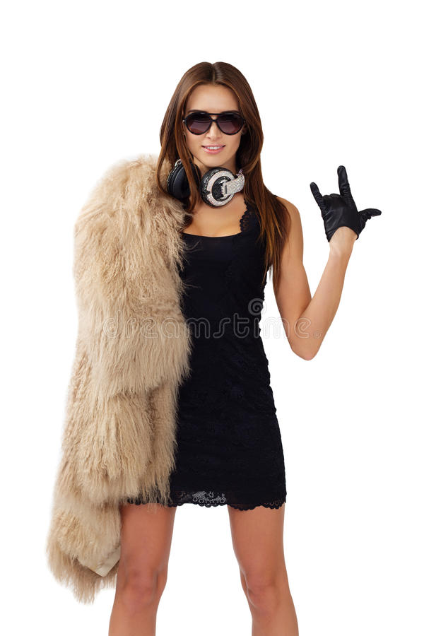 Vrouw DJ met oortelefoons Het glimlachen brunette Mooi maniermeisje stock fotografie