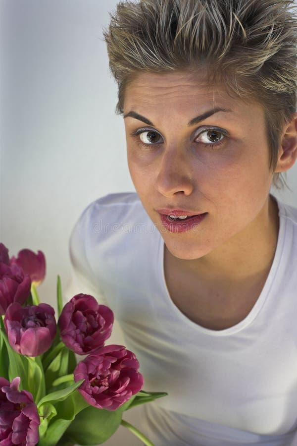 Vrouw en Bloemen royalty-vrije stock foto