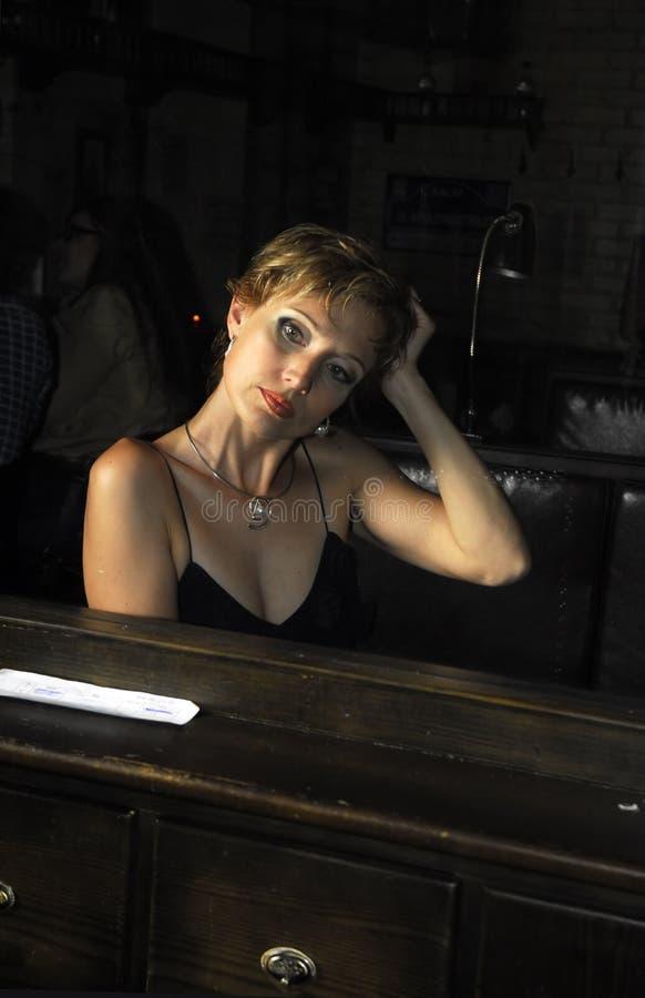 Vrouw en haar gedachtengang 2 stock foto's