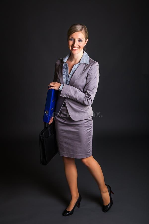 Vrouw in formele kleding royalty-vrije stock afbeelding