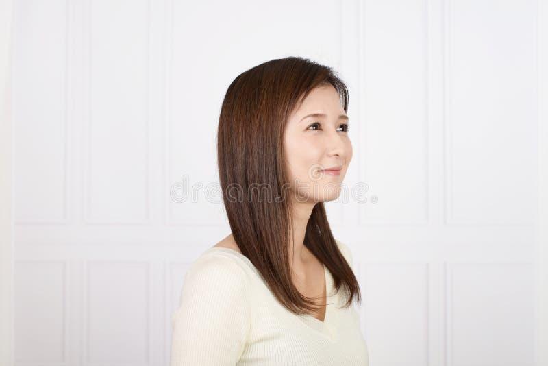 Vrouw gelukkig glimlachen royalty-vrije stock fotografie